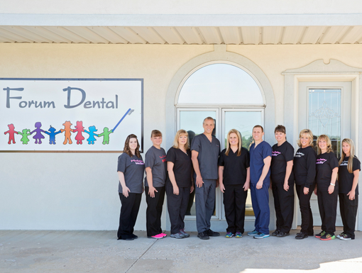 Forum Dental Laurie Staff Outside